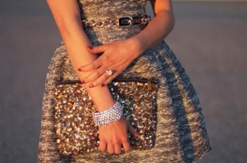 Sparkling sparkle clutch