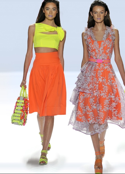 Tangerine tango Pantone color of the year outfit ideas inspiration